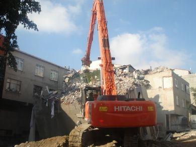 Kıraç Yatan Binanın Acil yıkımı